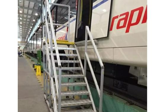 铝型材扶梯